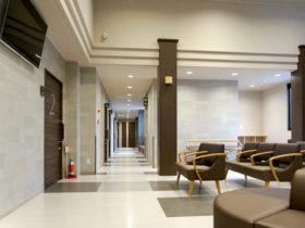 待合室と廊下